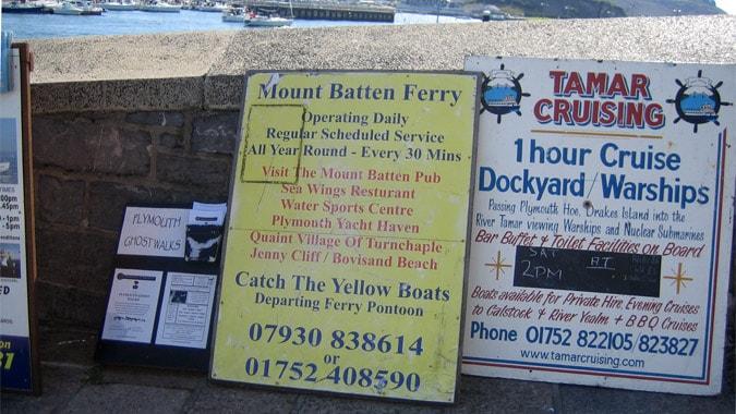 Boat tours signage