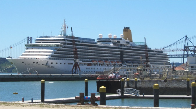 lisbon port: