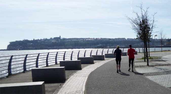 Jogging around the Cardiff Bay Trail route