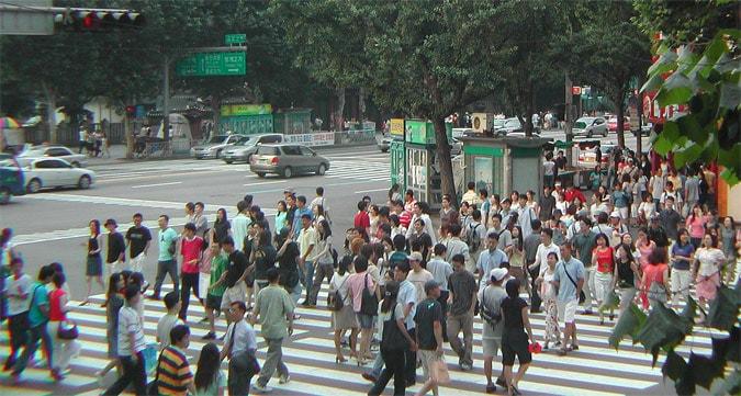 Crowded Kangnam streets