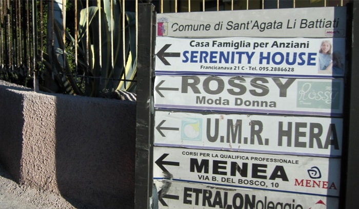 Confusing signage in Sicily Italy